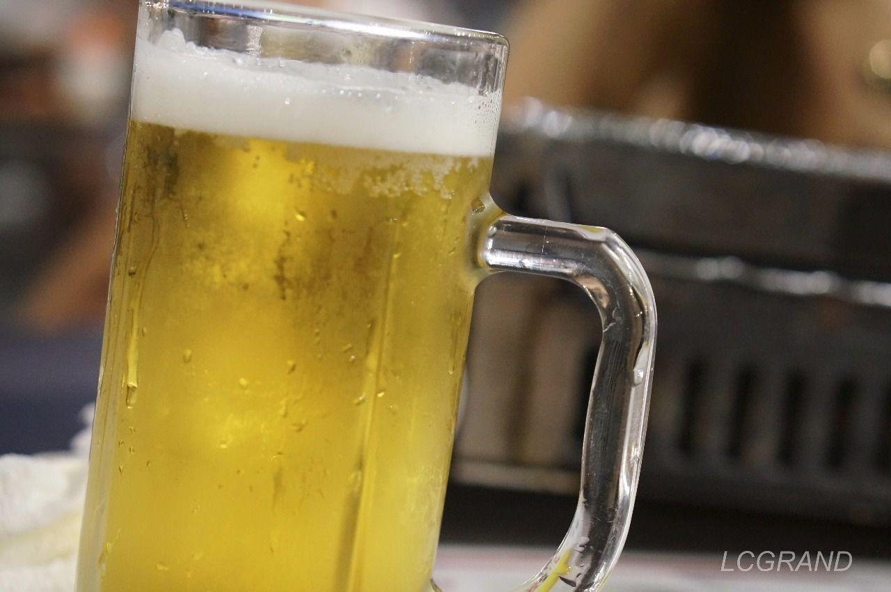 暑い夏には冷えたジョッキに入ったビールが最高