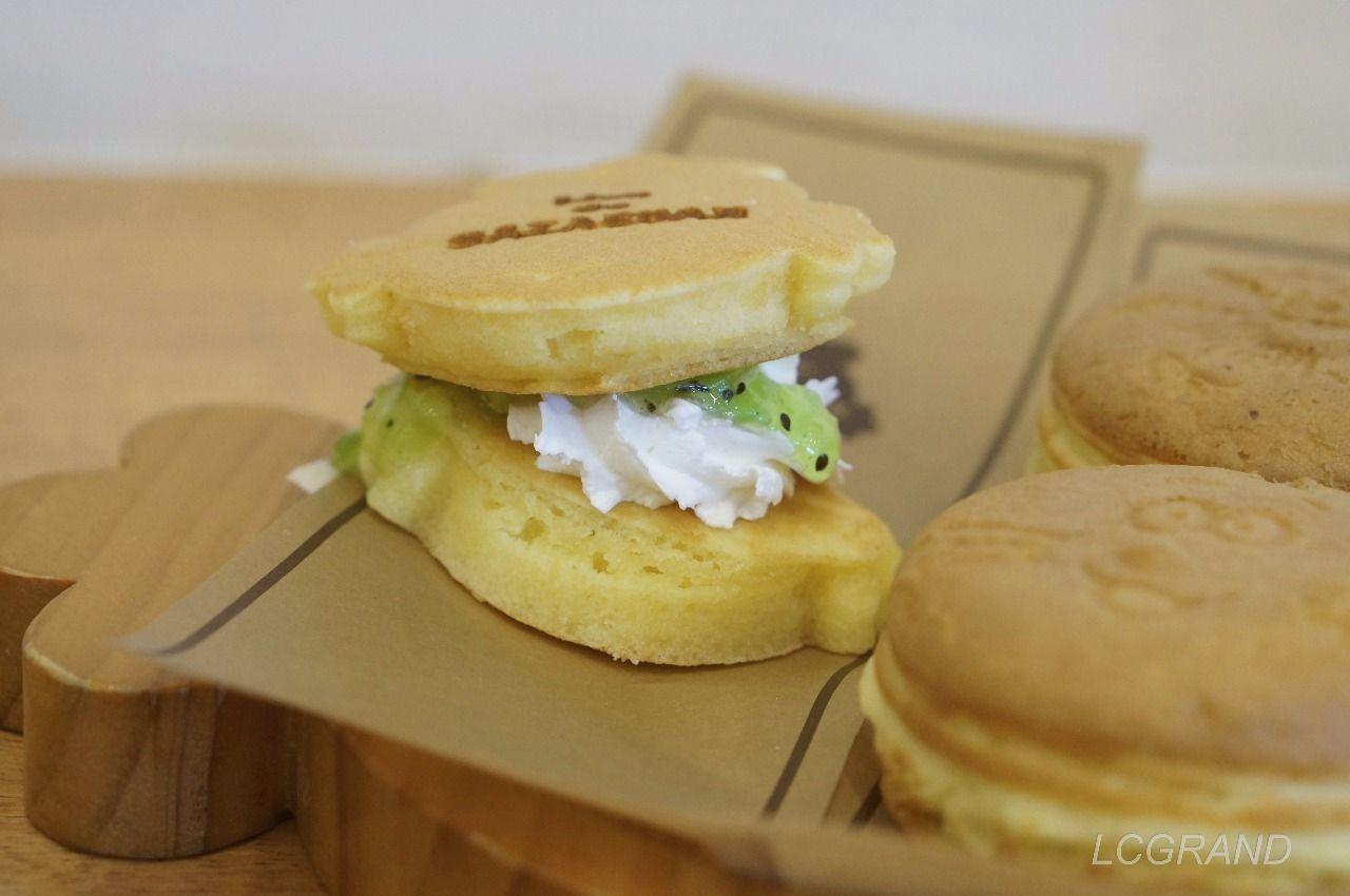 自家製キュウイジャムを使ったパンケーキ×パンケーキ