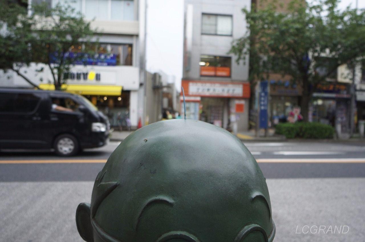 波平さんの銅像の頭にある大事な毛